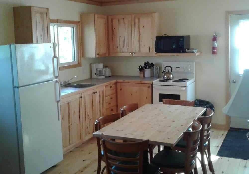 Trailside Cottage - kitchen and dining area