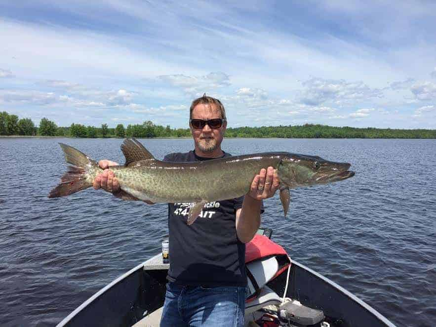 Jamie catches a Muskie